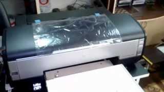 Планшетный принтер EPSON 1410 печать на футболке(Принтер переделан на заказ, для печати на футболках. Вопросы по поводу заказа переделки принтера, пишите..., 2015-05-10T21:02:10.000Z)