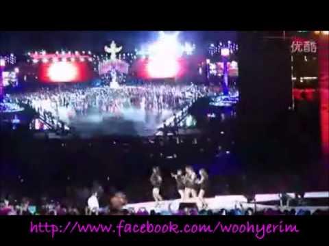 Wonder Girls at Dalian International Fashion Festival 2011- 2 Different Tears