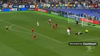 Clamorosa invasione di campo durante Real Madrid - Liverpool! - Commento Piccinini