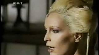 Patty Pravo - Per una bambola - Sanremo 1984 Gianni Versace Pippo Baudo