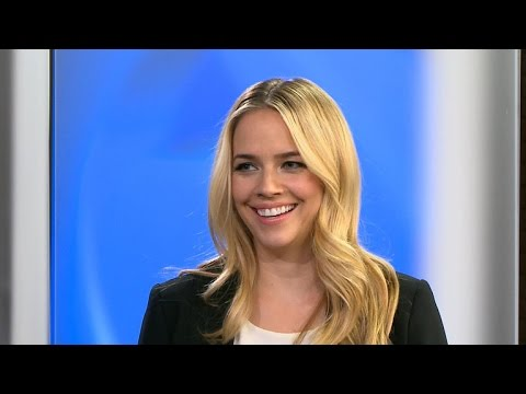 "Actress Jessica Barth on getting married to ""Ted"""
