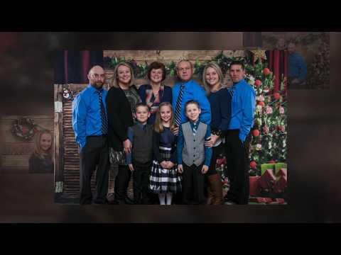 Family Photos | Fall Family Photos | IrisMagic Photo Studios
