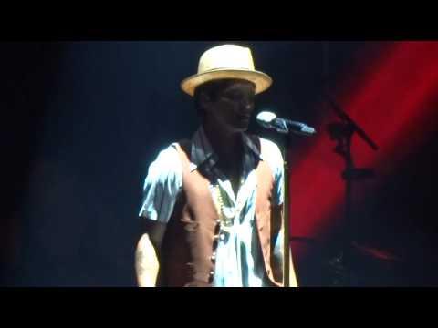 Bruno Mars - Show me & Our first time - Arena Ciudad de México - (02-sep-2014)