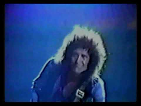 Queen -  Live In Caracas - 1981   Part 1