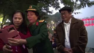 Hai nua minh hoi ngo ban tieng Viet