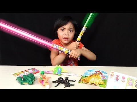 Terima Kasih Abang Pedagang Mainan Keliling Yang Pertama Kali Yaya Beli Mainan Murah !
