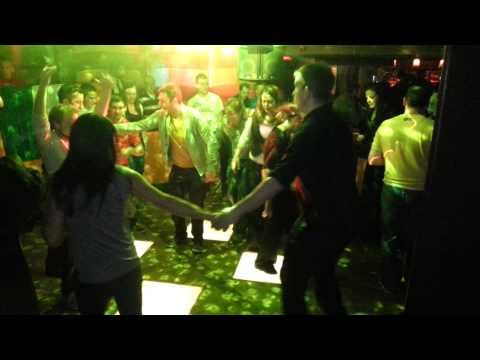 Irish dancing at its best ! Happy days !