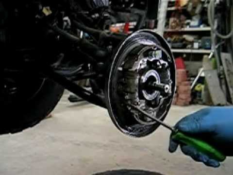 Honda TRX foreman ATV 4X4 wheel bearing repair. - YouTube