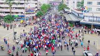 Video Scores of Jubilee supporters celebrate in the streets of Nairobi download MP3, 3GP, MP4, WEBM, AVI, FLV November 2017