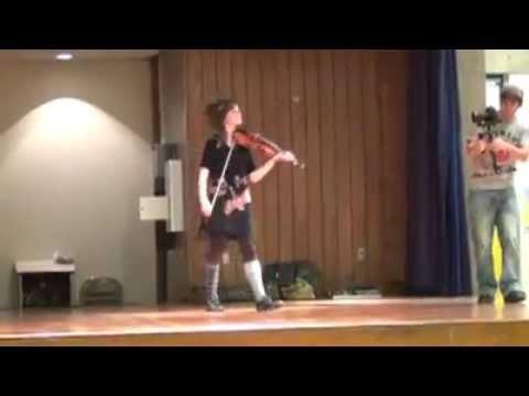 Lindsey Stirling - Transcendence (School) In Live