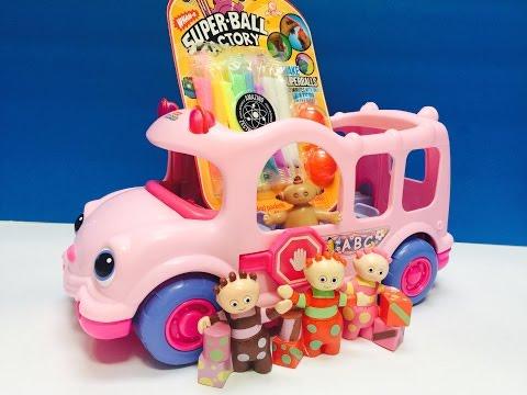 TOMBLIBOOS and MAKKA PAKKA Makes Rainbow Bouncy Balls!