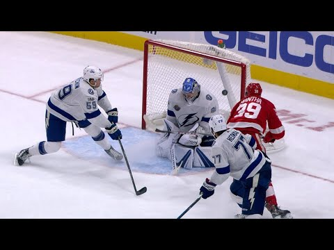 10/16/17 Condensed Game: Lightning @ Red Wings