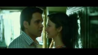 Emran Hashmi & Prachi Desai Romancing & Kissing -