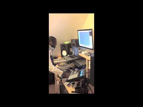 DJ JOAO VAZ (GUINE-BISSAU) - Coupe-Decale Mixtape Vol.1 LONDON 03-04-2013