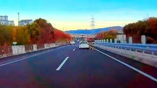 【ドラレコ】高速道路でスキー・スノーボードをばら撒くプリウス