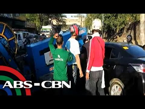 TV Patrol: 1 patay, 3 sugatan sa pagsalpok ng trak ng Meralco sa isang sasakyan
