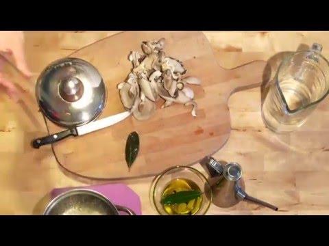 Fungo Pleurotus sott'olio con alloro e pepe - Videoricetta in 1 minuto e mezzo
