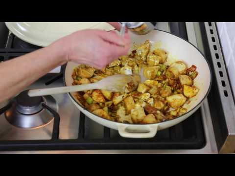Weeknight Vegan Curry with Cypriot New Potatoes (ad)