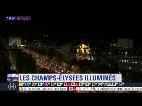 Lily-Rose Depp illumine les Champs-Élysées à Paris