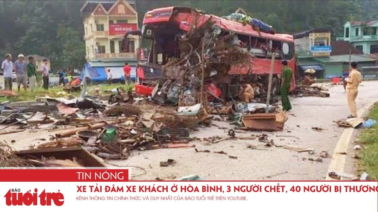 Ôtô tải đâm xe khách ở Hòa Bình, 3 người chết, gần 40 người bị thương