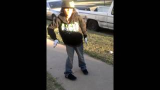 Skrillex - First Of The Year (Equinox) 10 Year old dancing dubstep
