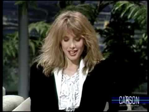 Johnny Carson's Buns are Admired by Rosanna Arquette, Tonight , 1986