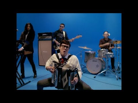 Alex Mac - Weezer's New 'Africa' Music Video with Weird Al!