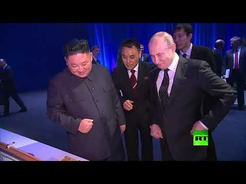 بوتين يتبادل الهدايا مع كيم  - نشر قبل 3 ساعة