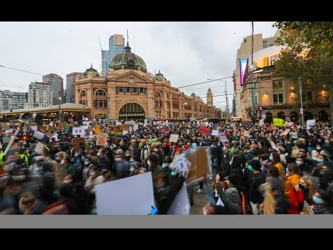 Melbourne protesters urged to get tested for COVID-19