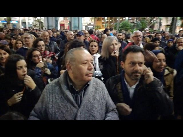 """Unos mil ceutíes exigen al Gobierno """"una frontera fluida y segura"""""""