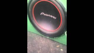 1 pioneer 12 300watt rms 4ohm bridged to 2ohm running on a planet audio 1200 2 watt amp