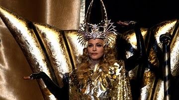 Madonna beim Super Bowl // Micaela Schäfer steht auf Lothar Matthäus