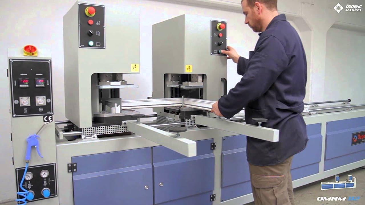 Machine de soudure automatique de profil s pvc double for Fabrication fenetre pvc