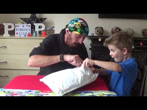 Calamity Crow Kids Crafting Show EP01 - Build a fast and fun racing car out of a paper roll. from YouTube · Duration:  6 minutes 15 seconds
