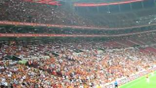 Galatasaray Liverpool maci Nevizade Geceleri
