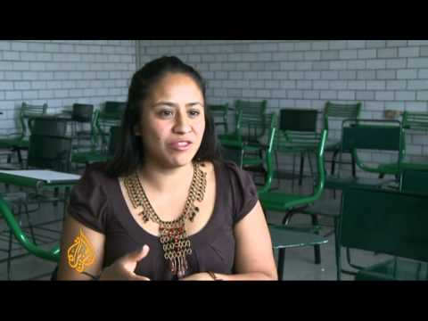 Mexican youth struggle through employment