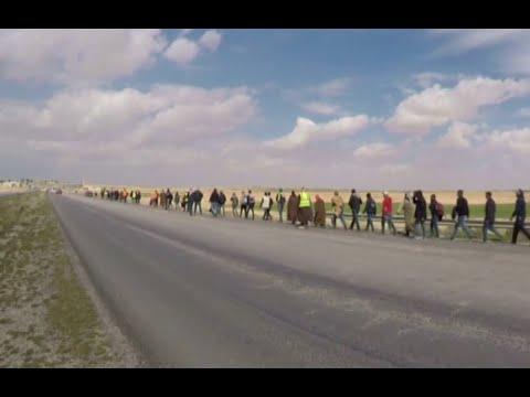 أردنيون يسيرون إلى عمان للمطالبة بالوظائف  - نشر قبل 4 ساعة