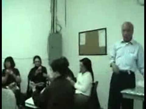 Lớp học thực tập bấm vuốt huyệt chữa những bệnh đau nhức chùa Quan Âm