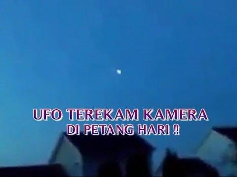 """PENAMPAKAN UFO ASLI """"UFO TEREKAM KAMERA DI PETANG HARI ..."""