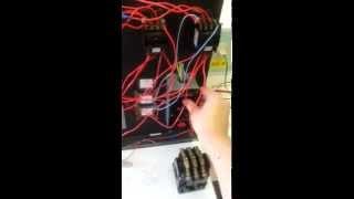 Пуск-Стоп-Реверс Асинхронного двигателя(Маленький Асинхронник подключен по схеме с кнопочным постом ПУСК- СТОП - РЕВЕРС в схеме использованы 2..., 2013-06-19T13:38:42.000Z)