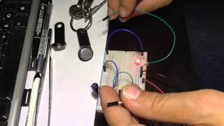 Как сделать дубликат ключа от домофона(Простой копировщик - дубликатор домофонных ключей PIC16F88 можно купить тут: http://ali.pub/1au0y собрано на макетке:..., 2015-10-09T19:33:15.000Z)