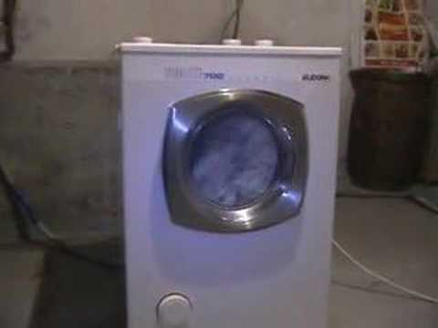 Eudora Sparmeister 702 washer rinse and spin: Eudora Washer Model 702 classic washer last rinse and final spin