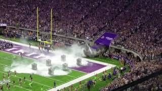 Minnesota Vikings Enter US Bank Stadium