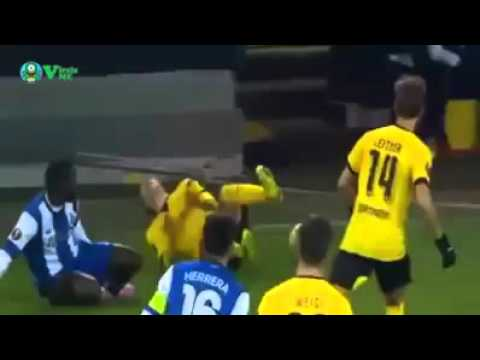 Borussia Dortmund vs FC Porto , Reus gets injured