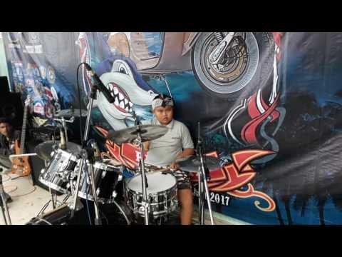 Woww! Drummer ska reggae tercilik di tasikmalaya! FamilySKA - pasir putih live at PALAS