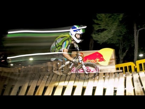 Downhill MTB in the Dark - Red Bull Dark Knights 2013 Singapore