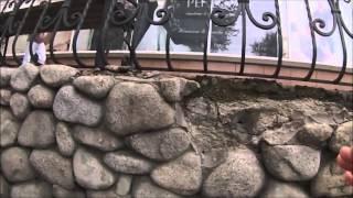Кладка из крупной гальки - видео обзор