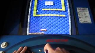 Zack Hample playing a perfect game of Tournament Arkanoid