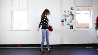 видео Что носить с джинсами бойфрендами? Фото, выбор обуви, модели, советы для полных
