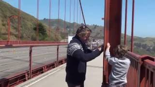 We scan the world - Golden Gate